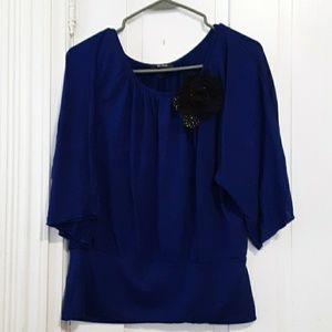 b wear short sleeve knit top